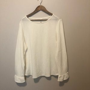 NWOT Off white snuggly sweater w/ ruffled sleeves